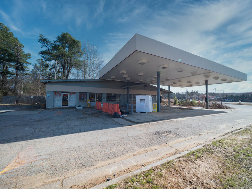 This was once a Texaco station and then later became a Bait & Tackle shop, but now sits empty. It is located in Acworth, GA in Cobb County.
