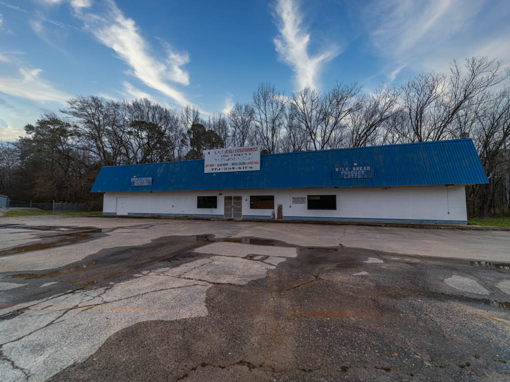 Abandoned Grocery Store and later Thrift Store in Cartersville, Ga in Bartow County.