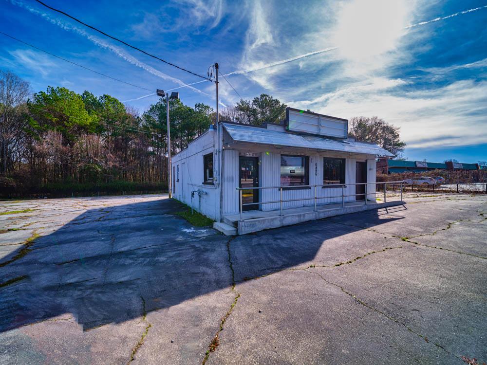 Abandoned beauty salon in Riverdale, Ga in Clayton County.