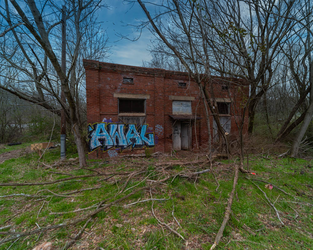 Now defunct small warehouse buildings in Cartersville, Ga in Bartow County.